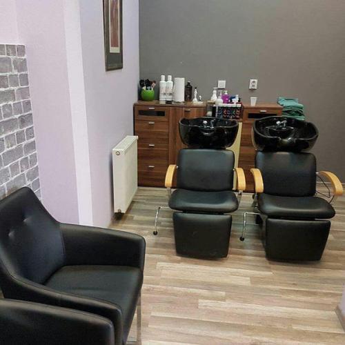 frizerska oprema namjestaj stolice glavoper frizerski salon  (2)