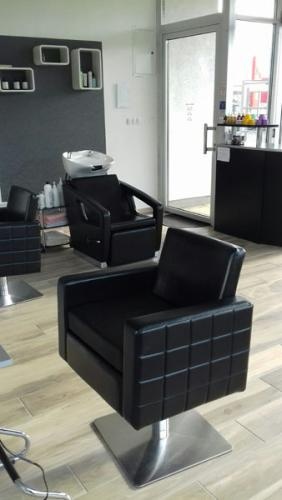 frizerska oprema namjestaj stolice glavoper frizerski salon unique  (1)