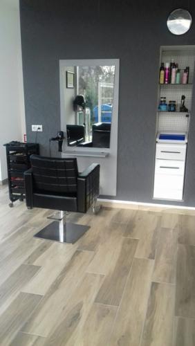 frizerska oprema namjestaj stolice glavoper frizerski salon unique  (6)