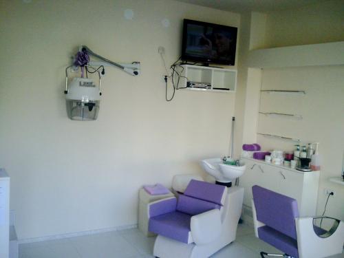 frizerska oprema namjestaj stolice glavoper frizerski salon velvet  (3)